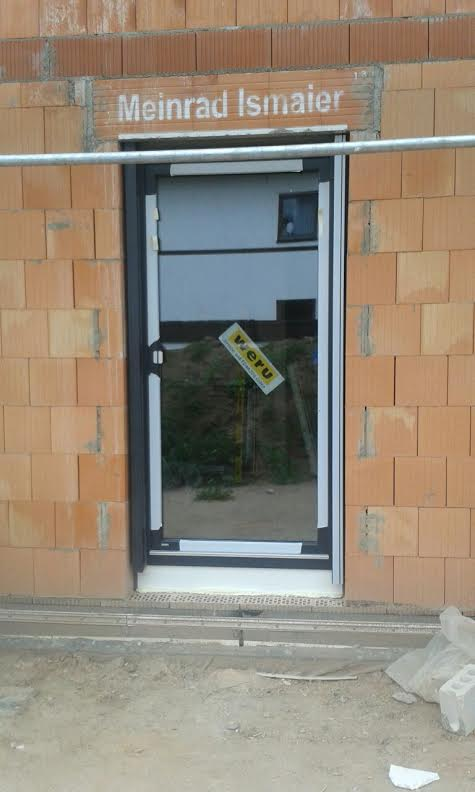 Fachgerechter Einbau Von Fenstern Und Einer Haustur In Hausen